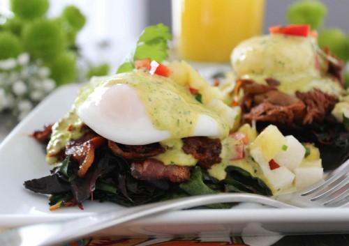 Barbacoa-Eggs-Benedict