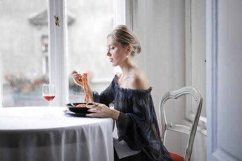 10 Reasons You Over Eat… And How To Stop