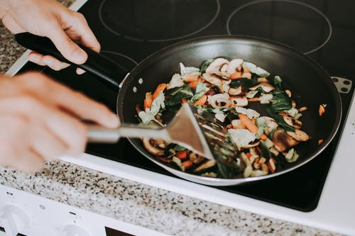 9 Healthy Cooking Tips for Beginners