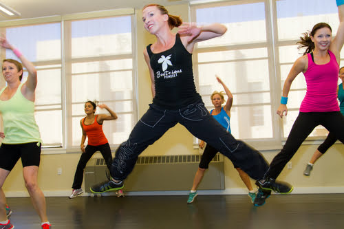 How To Burn Up To 800 Calories in Zumba Class